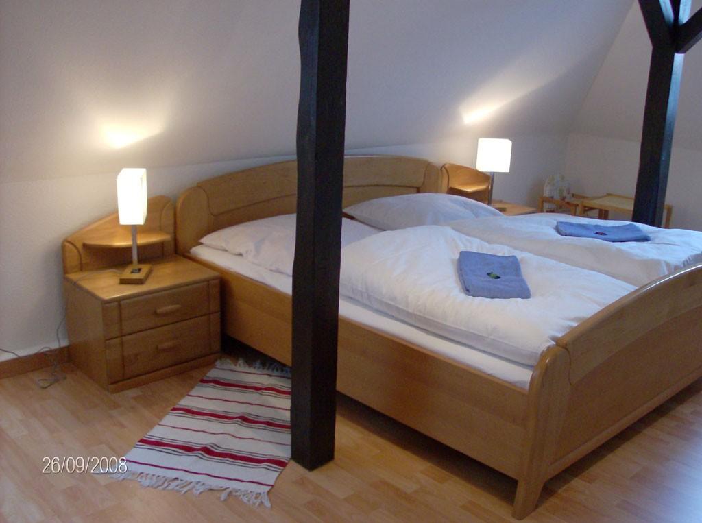Schlafzimmer-Ferienwohnung-Dresden